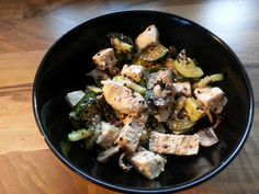 Hühnchen, Tofu, Spargel, Champignons und Zucchini