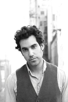Joshua Radin is playing at the L.L. Bean free summer concert series on August 31st....guess who's going! <3