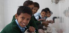 Conoce los esfuerzos de Nestlé por llevar servicios básicos a las comunidades en las que opera. http://www.expoknews.com/cuando-el-bienestar-de-los-colaboradores-esta-en-lo-mas-basico/