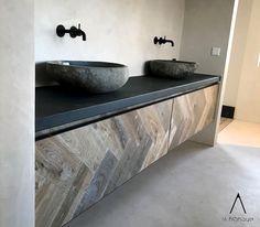Bathroom Inspiration, Interior Inspiration, Decor Interior Design, Interior Styling, Pool Table Room, Dark Bathrooms, Bathroom Toilets, Home Trends, White Rooms