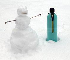 Környezettudatos, BPA-mentes termék. A neoprén huzat több órán át tartja a beletöltött folyadékok hőmérsékletét. KATTINTS RÁ! | #bio #drinking #környezetbarát #environmentally_friendly #doras #biodoras #környezettudatos #öko #termosz #kulacs #neoprén #neoprén_huzat #üvegkulacs #flask #kék #blue #trendi #design #dizájn #menő #sport #sport_felszerelés #műanyagmentes #plasticfree #bpamentes #bpafree #sportfelszerelés #waterbottle #water_bottle #fenntartható >winter #tél #hó #snow Outdoor Decor, Home Decor, Decoration Home, Room Decor, Home Interior Design, Home Decoration, Interior Design