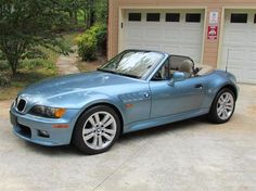 A Crutchfield customer shows how he outfitted his 1997 BMW Z3 Roadster 2.8 (with Crutchfield's help, of course). #BMW #CarAudio