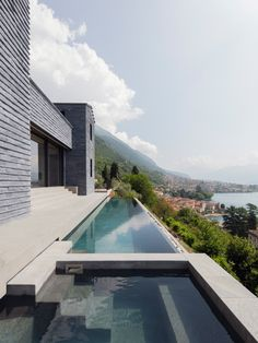 Home Decoration Ideas For Party Lorenzo Guzzini builds house with infinity pool overlooking Lake Como.Home Decoration Ideas For Party Lorenzo Guzzini builds house with infinity pool overlooking Lake Como Swimming Pool Designs, Swimming Pools, Japanese Tea House, Stock Tank Pool, Villa, Casa Real, My Pool, Exposed Concrete, Ferrat