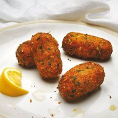 Savory Snacks, Yummy Snacks, Yummy Food, Snacks Für Party, Lunch Snacks, Kroketten Recipe, Dutch Recipes, Cooking Recipes, Typical Dutch Food