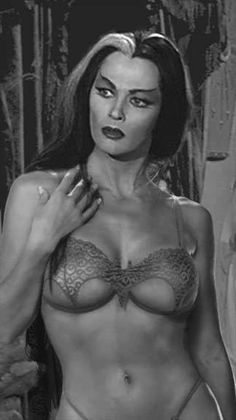 Black and White Photography Ultra Chic Lili Lily Munster Yvonne De Carlo The Munsters Vampire Lily Munster, Yvonne De Carlo, Frankenstein, Divas, Dark Romance, Non Blondes, The Munsters, Vintage Beauty, Vintage Gothic