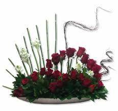 Resultado de imagen para el ritmo en el diseño floral Wreaths, Home Decor, Floral Design, Decoration Home, Room Decor, Bouquet, Interior Decorating, Floral Arrangements
