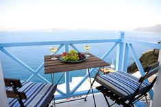 If you are wondering where to stay in Santorini or specifically looking for Airbnb Santorini rentals, you have come to the right place! I've rounded up the twelve best Santorini Airbnb options in the best place to stay in Santorini. Corfu Greece, Santorini Greece, Athens Greece, Greece Vacation, Greece Travel, Cheap Hotels In Santorini, Best Hotels In Greece, Greek Decor, Italy Honeymoon
