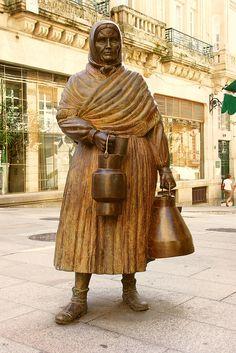 "Ourense - Ramón Conde - ""A leiteira"" Ramones, Public Spaces, Nymph, Buddha, Statue, Art, Spain, Sculptures, Count"
