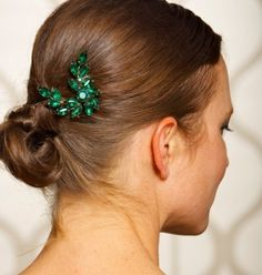 2013 Fall Wedding Trends: Pantone Color of the Year Emerald (Green)