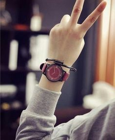 New 2018 Wood Retro Women Casual Watches Brand Vintage Stylish Watches For Girls, Stylish Girls Photos, Stylish Girl Pic, Casual Watches, Stylish Baby, Cute Girl Poses, Girl Photo Poses, Girl Photography Poses, Girl Photos