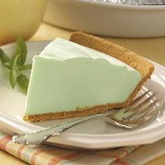 Weight Watchers Low Calorie Key Lime Pie! Sugar Free Jello, 2 yogurts, Cool Whip and a Graham Cracker crust!