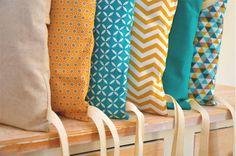Tour de lit 6 coussins déhoussables, jaune moutarde et bleu canard par Ma cocotte | homify