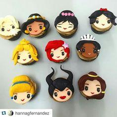 Disney princesses and more cupcakes Fondant Cupcakes, Fondant Toppers, Cupcake Cakes, Fondant Baby, Beach Cupcakes, Cute Cupcakes, Cute Cookies, Pull Apart Cupcakes, Giant Cupcakes