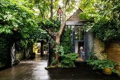 Showstopping, barn-inspired house wants $10.2M - Curbedclockmenumore-arrow : Located in London's Highgate Village