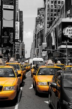 What's your ideal city break? Amazing Photos, Amazing Places, Cool Photos, Stuck In A Moment, In This Moment, My Happy Place, The Good Place, New York Black And White, City Break