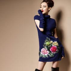 Orient Aftertastes. Chinese Embroidery Wool Dress Oversleevs Incl.