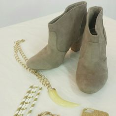 """{Booties} Tan Suede Like Booties Tan Suede Like Booties. GOOD PRELOVED Condition. WOMEN'S Sizing (Size 10). Heel Height : 3""""  Please Ask Questions Before Purchasing ALL SALES ARE FINAL  NO TRADES NO PAYPAL NO HOLDS NO LOW BALL OFFERS Trend Report Shoes Ankle Boots & Booties"""