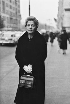 Diane Arbus, Woman on Street