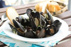 Post image for Steamed Mussels in White Wine Sauce {Cooking Planit Review}