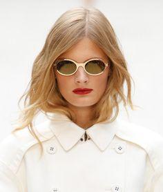 """La tendencia es ir con el pelo cuidadosamente """"despeinado"""". El look de Burberry Prorsum es un claro ejemplo y ¡nos encanta!"""