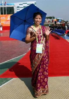 Mary Kom steals the thunder - in a lovely silk sari