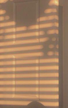 Iphone Wallpaper App, Iphone Wallpaper Tumblr Aesthetic, Aesthetic Pastel Wallpaper, Aesthetic Backgrounds, Galaxy Wallpaper, Aesthetic Wallpapers, Wallpaper Backgrounds, Brown Aesthetic, Aesthetic Images