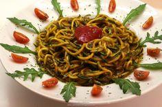"Rohkost - Rezept für ""Mango - Zucchini - Petersilie - ""Pasta"""" (Vegan, Rohkost, 80-10-10)"