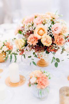 Hochzeit in Gold und Rosa | Friedatheres.com  Fotos: Erika Martins Fotografie und mehr Papeterie: Poule Folle Torte und Candy Table: Süss & Salzig