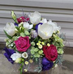 Impress your mother with sending beautiful mother's day flowers Types Of Flowers, Fresh Flowers, Beautiful Flowers, Online Flower Shop, Order Flowers Online, Different Emotions, To Spoil, Hard Work And Dedication, Mothers Day Flowers