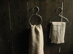 kitchens-cream-clothes-hangers-dish-towels-tea-towels