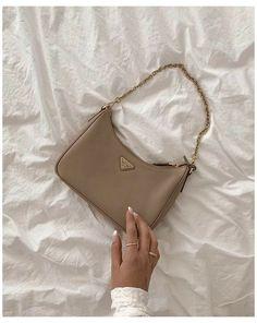 Aesthetic Bags, Cream Aesthetic, Classy Aesthetic, Brown Aesthetic, Aesthetic Style, Luxury Purses, Luxury Bags, Mode Poster, Sacs Design