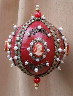 Terry Ricioli Designs: Cameo and Filigree Ornament