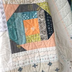 Tracery quilt by Sharon Holland