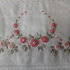 Getting to Know Brazilian Embroidery - Embroidery Patterns Brazilian Embroidery Stitches, French Knot Embroidery, Hand Embroidery Videos, Types Of Embroidery, Embroidery Hoop Art, Crewel Embroidery, Ribbon Embroidery, Simple Embroidery Designs, Floral Embroidery Patterns