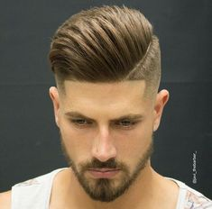 Mens Hairstyles for Straight Hair – Pompadour A brand new year brings … Mens Hairstyles for Straight Hair – Pompadour A brand new year brings it with new mens haircuts that are going to be trending this year. If you are planning to give New Mens Haircuts, Popular Mens Hairstyles, Cool Hairstyles For Men, Trending Haircuts, Straight Hairstyles, Classic Hairstyles, Modern Haircuts, Modern Hairstyles, Undercut Hairstyles