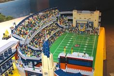 "Bild-Ergebnisse für ""lego american football stadium"" - LEGO SPORT - - Fitness and Exercises, Outdoor Sport and Winter Sport Lego Sports, Sports Basketball, Basketball Court, American Football, Cool Lego, Awesome Lego, Blood Bowl, Giants Baseball, Occult Art"