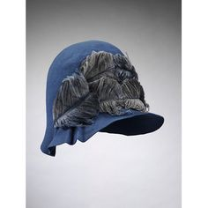 Cloche hat of felt trimmed with ostrich feathers, made for Liberty and Co. Ltd, London, Cloche hat of mid-blue felt trimmed with mid-blue ostrich feathers. Lined with fine cream silk taffeta with a drawstring adjustment. Felt and ostrich feathers, l 1920s Hats, Vintage Outfits, Vintage Fashion, 1930s Fashion, Victorian Fashion, Vintage Dresses, Mode Vintage, Vintage Hats, Beanies