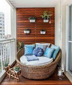 little balcony spot