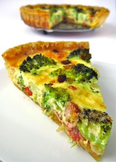 Test 4 the Best: Tasty rough puff pastry broccoli & bacon quiche Broccoli Bacon Quiche, Quiche Au Brocoli, Broccoli Recipes, Quiche Recipes, Brunch Recipes, Breakfast Recipes, Rough Puff Pastry, Great Recipes, Favorite Recipes