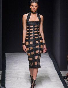 Olivier Rousteing serait-il arrivé à la fin d'un cycle chez Balmain ?  http://www.elle.fr/Mode/Les-defiles-de-mode/Pret-a-Porter-Printemps-Ete-2015/Femme/Paris/Balmain/Fashion-Week-Balmain-fan-des-annees-80-2816940