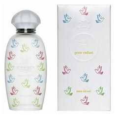CREED Creed for Kids EDP - Rozkwitającą radość życia odziwerciedlają apetyczne nuty jabłek, śliwek, gruszek i drzewek cytrynowych, barwnych i musujących lekką świeżością. W sercu zapachu rozkwitają róże i goździki, niosąc swój intensywny aromat do błękitnego południowego nieba. Ten zapach to magiczny klucz do przeszłości, rozkwitający pełnią barw szczęśliwego dzieciństwa.