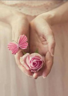 Find images and videos on We Heart It - the app to get lost in what you love. Giving Flowers, Flowers For You, Love Flowers, My Flower, Beautiful Flowers, Unique Tattoos, Hand Tattoos, Papillon Rose, Beautiful Fantasy Art