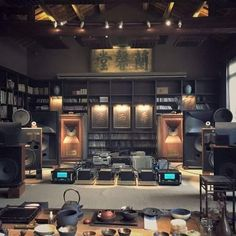impressive listing room #mcintosh #wadia. even the collection of bowls in front. nice