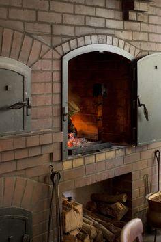 Wood Fired Brick Oven in Alice Waters's Berkeley Home