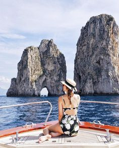 Take a Dip in Crystalline Waters—These Are the Best Things to Do in Capri (MyDomaine) Stuff To Do, Things To Do, Good Things, Capri Tour, Visit Italy, Portrait Poses, Travel Bugs, Small World, Adventure Travel