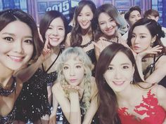 SNSD posed for a lovely group picture at MBC's Gayo Daejejeon