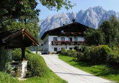Rettenbachgut - Salzburg  Rettenbachgut in Werfen – heerlijk rustig gelegen – de ideale vakantiebestemming voor elk jaargetijde. Gezellige kamers, veel lieve dieren, centrale ligging voor diverse wintersportmogelijkheden, bezienswaardigheden…