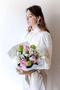 Порадуйте любимых красивым букетом от студии цветов в Твери - Мята. Сделам фото перед отправкой и доставим точно в указанное время. Смотрите наш каталог цветов и букетов. Mint Flowers