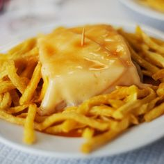 Even if its like 32 degrees, a good Francesinha always goes well. This simple and traditional dish from the most famous northern city of Portugal, Porto, is something every tourist wants to keep in its memory when going back home.