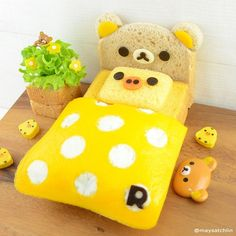 Rilakkuma bedroom bento by maysatch. Kawaii Bento, Cute Bento, Bento Tutorial, Japanese Sweets, Japanese Food, Kawaii Cooking, Sushi Art, Bento Recipes, Food Decoration
